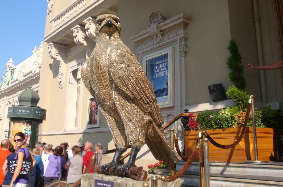 Der goldene Adler vor dem Casino in Monte Carlo