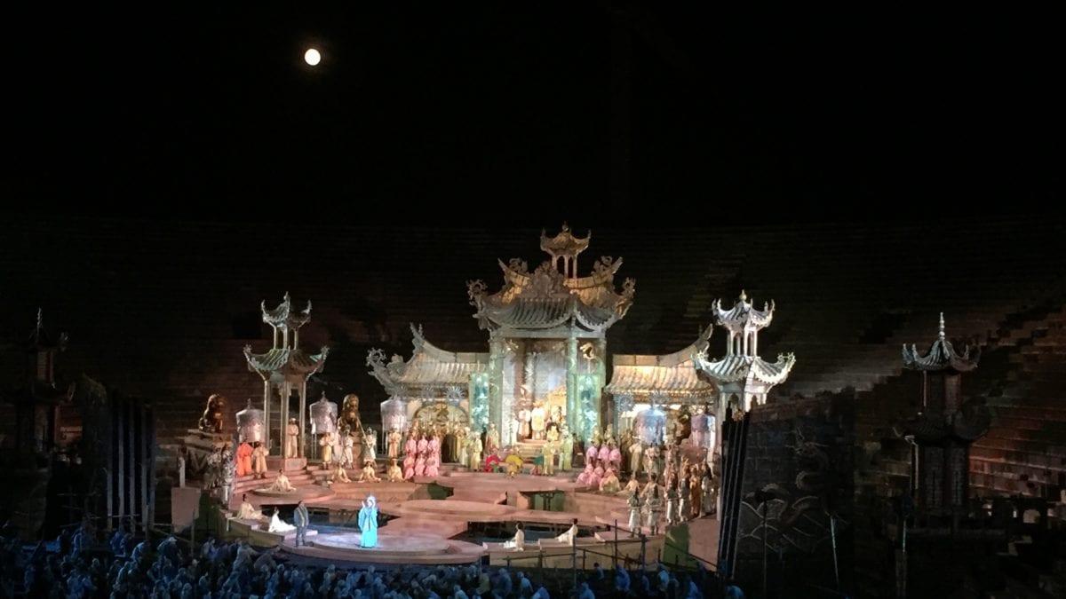 Madama Butterfly in der Arena di Verona