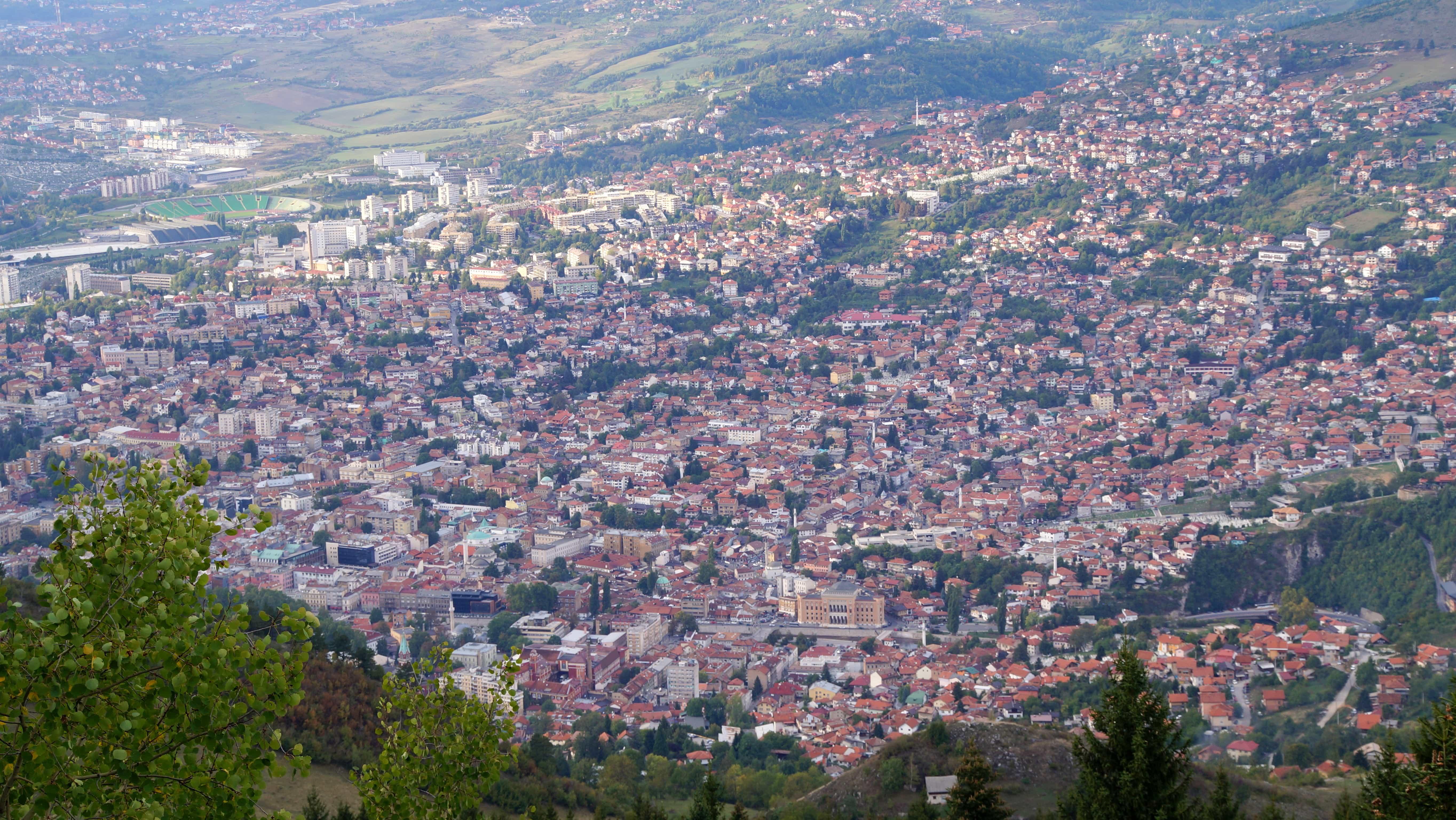 Blick von oben auf Sarajevo in Bosnien Herzegowina