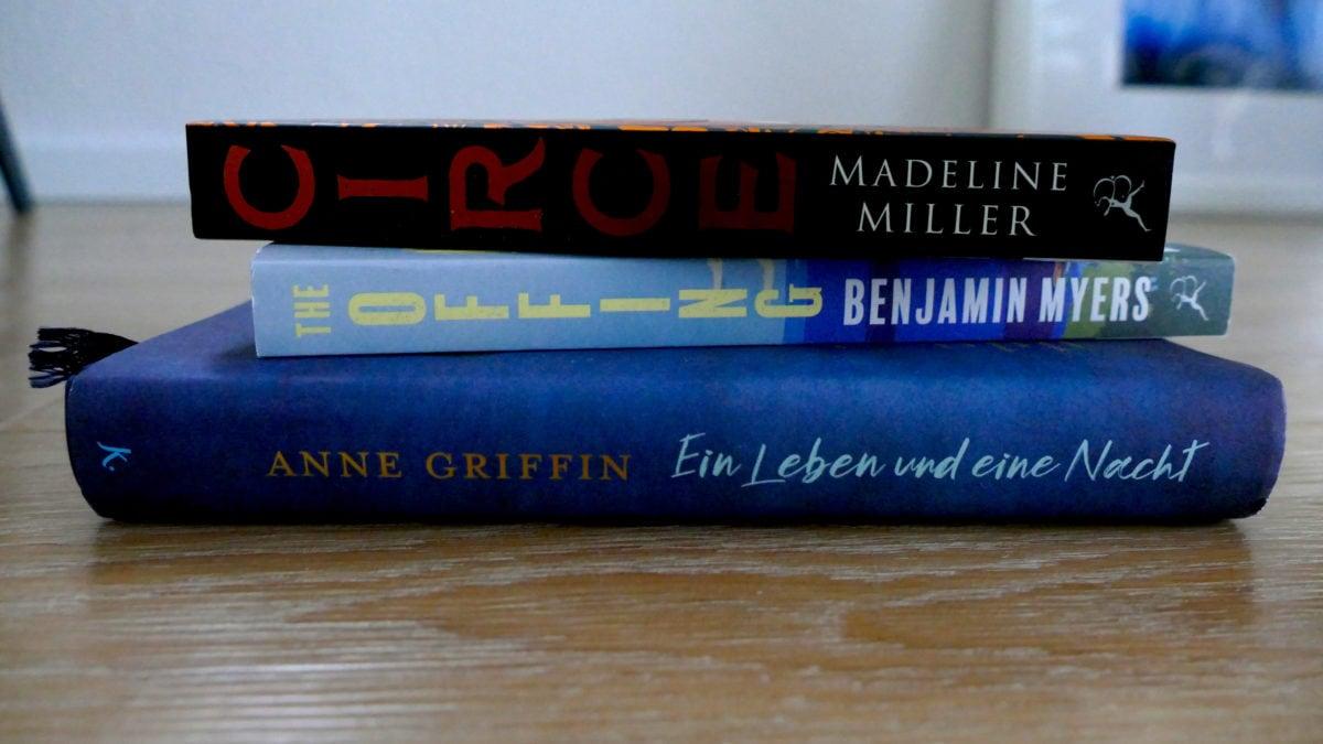 Im Herbst machen sich besonders Bücher gut wie Circe, The Offing oder Ein Leben und eine Nacht
