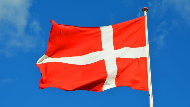 Die Flagge Dänemarks als Symbolbild für die Nachbarn