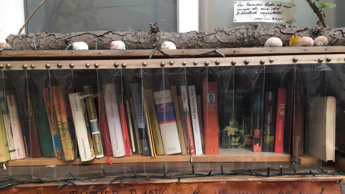 Offenes Bücherregal in Erfurt