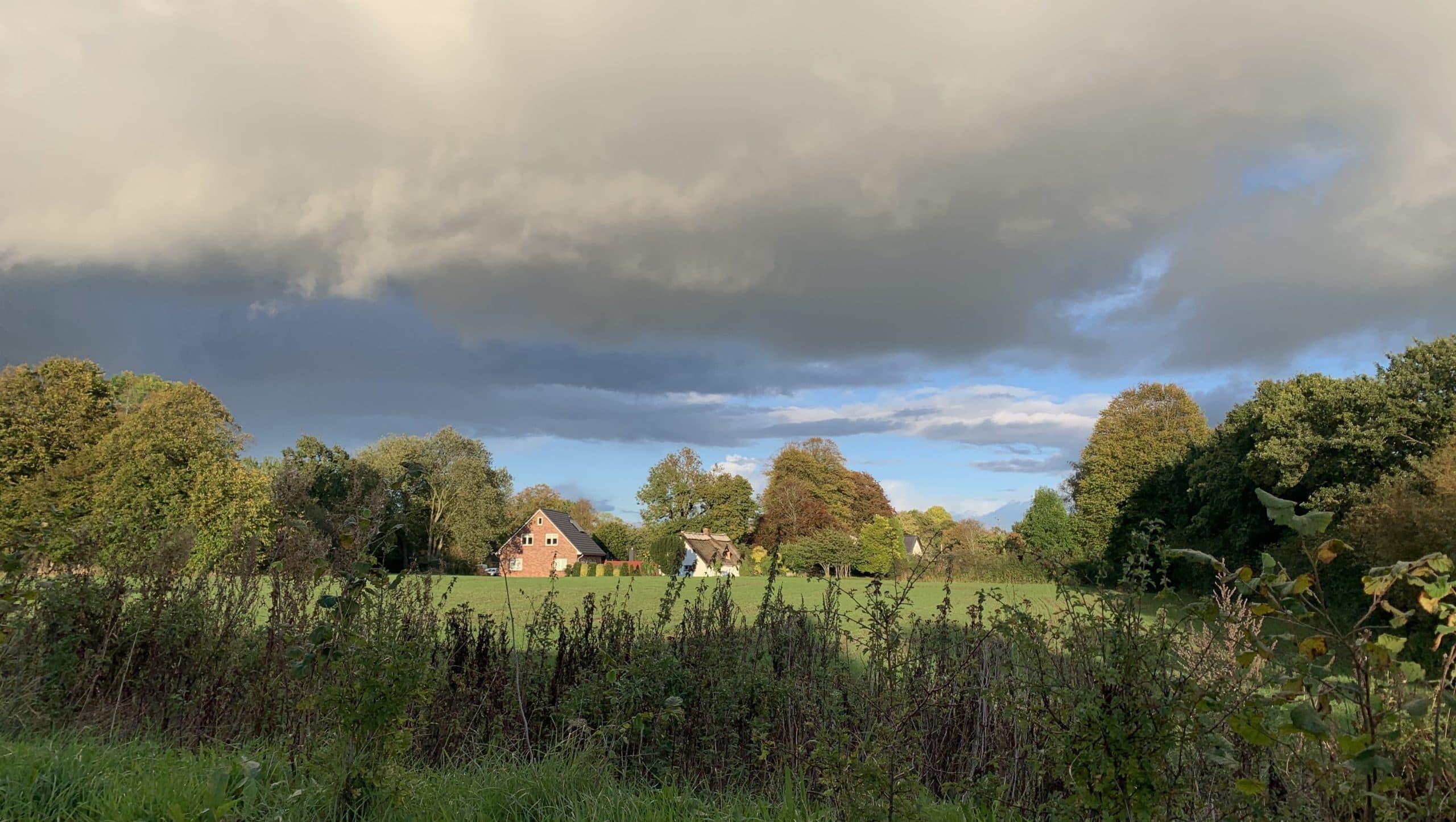 Dunkle Wolken über Flensburg