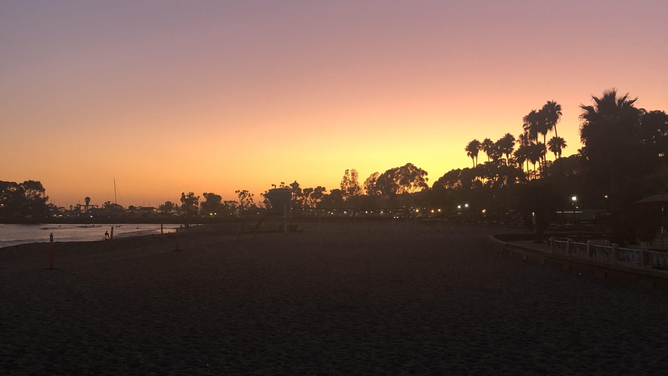 Sonnenuntergang am Doheny Beach in Kalifornien
