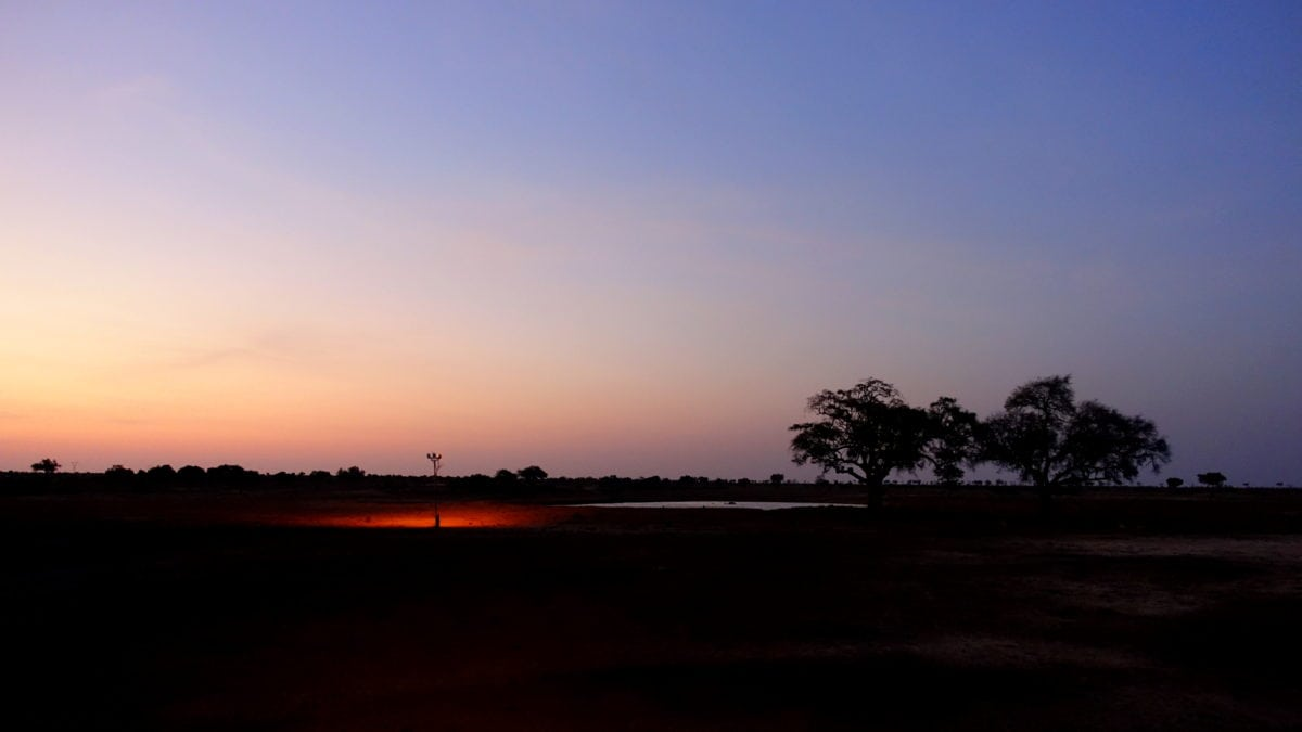 Sonnenuntergang im Satao Camp im Tsavo East National Park in Kenia