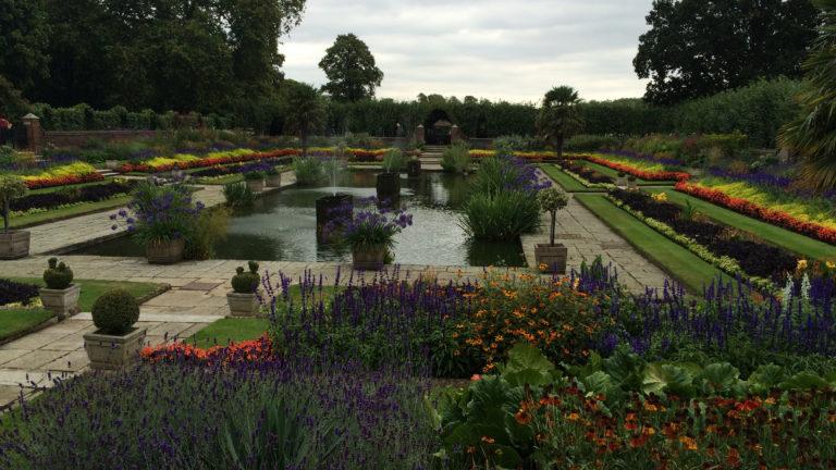 Die Kensington Gardens in London liegen direkt am Hyde Park