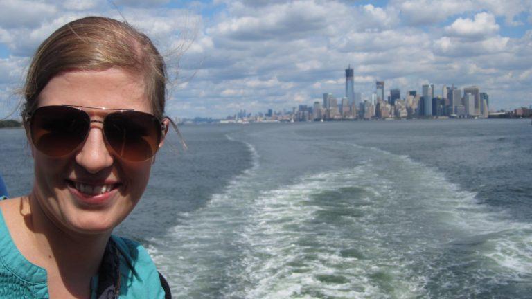 Kerstin Wiesauer vor der Kulisse von New York