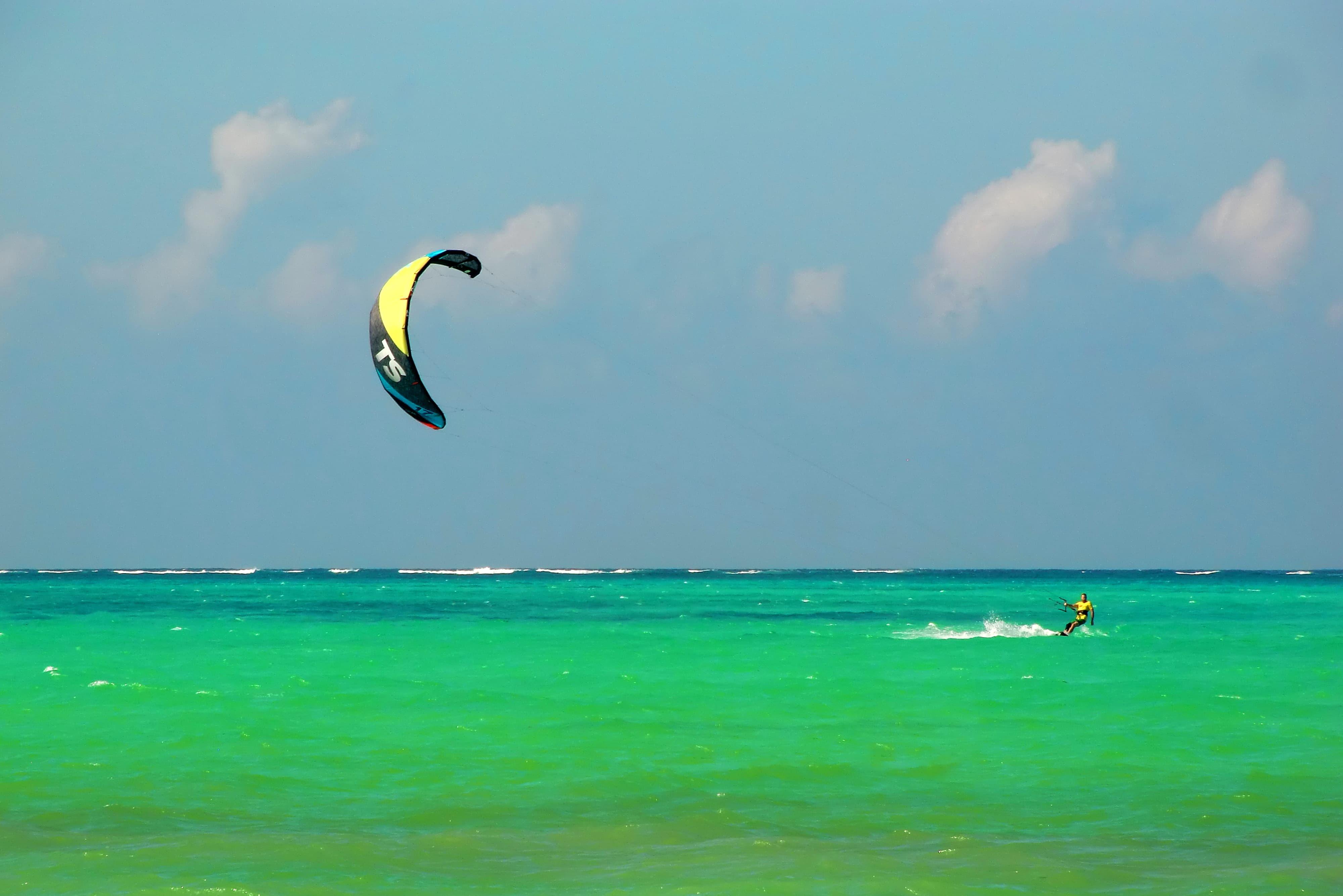 Kitesurfer auf Sansibar