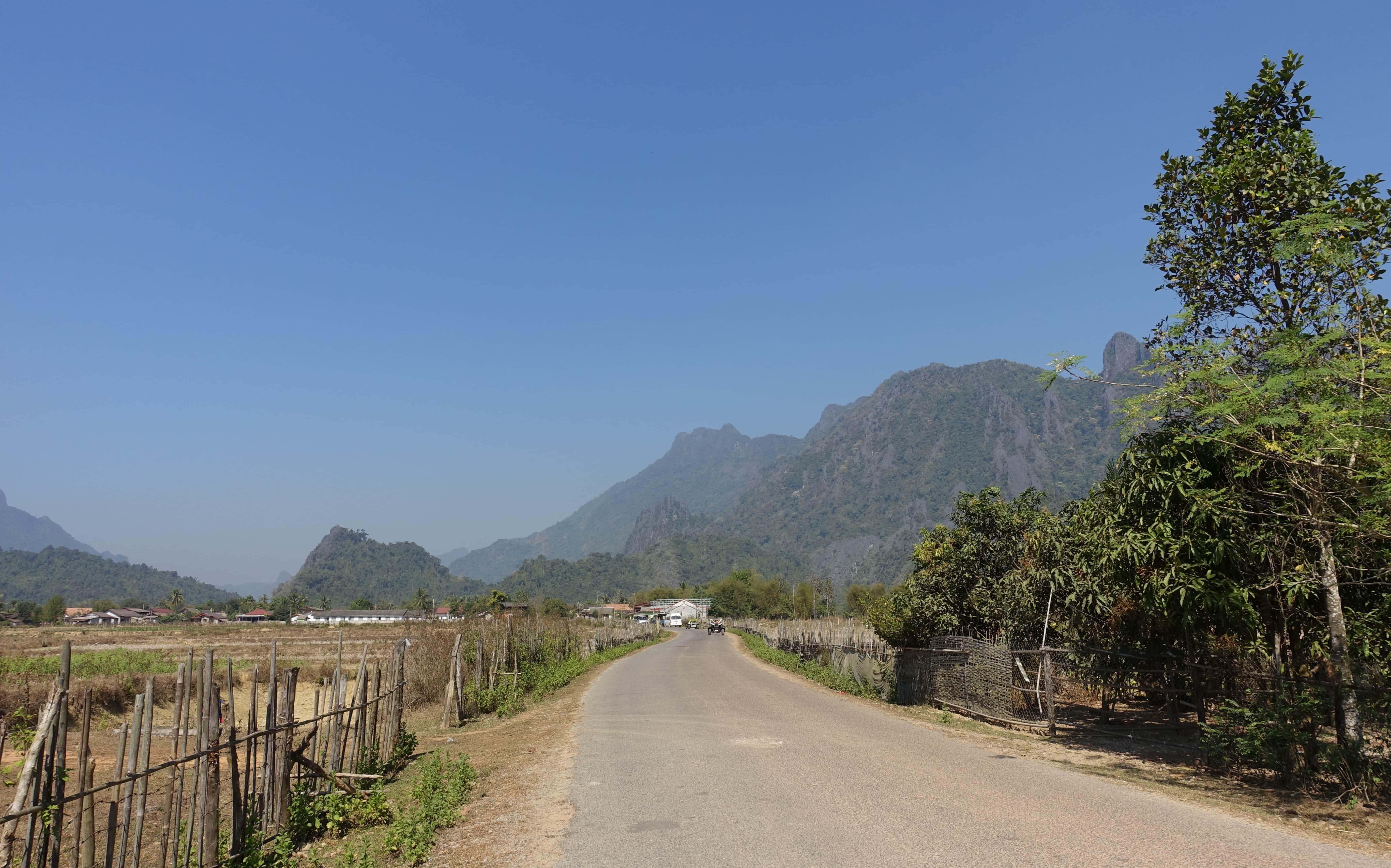 Das Umland von Vang Vieng in Laos bietet sich für Streifzüge an.