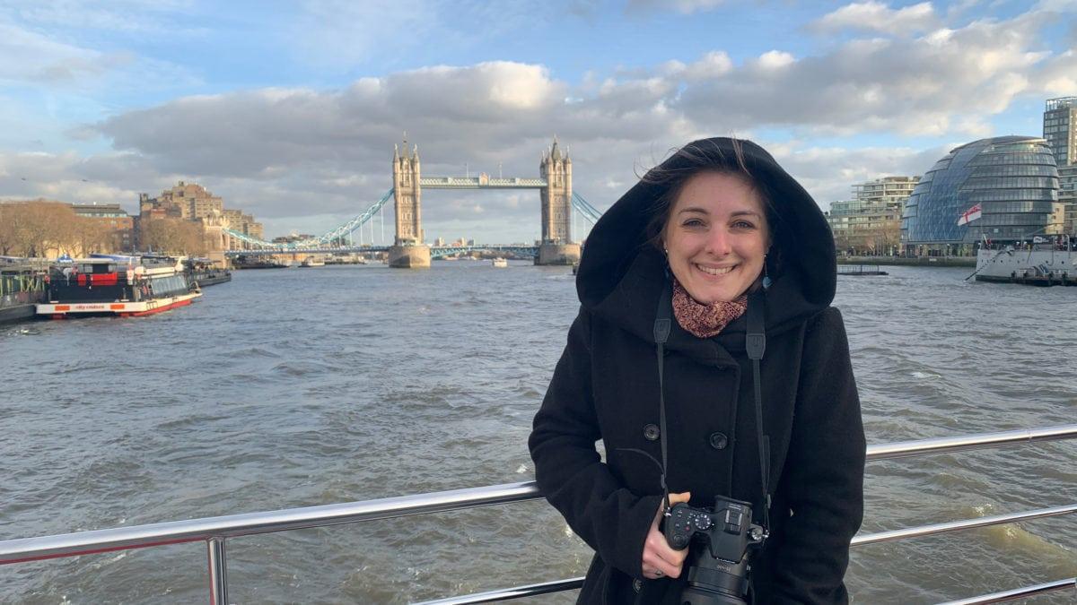 Julia an Bord des City Cruise Red River Boots: Die Tickets dafür habe ich von Musement bekommen.