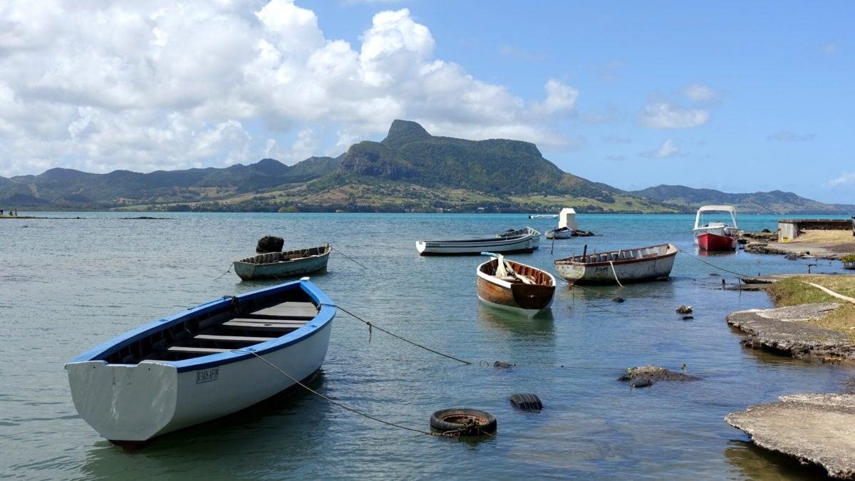 Boote vor Mahebourg in Mauritius