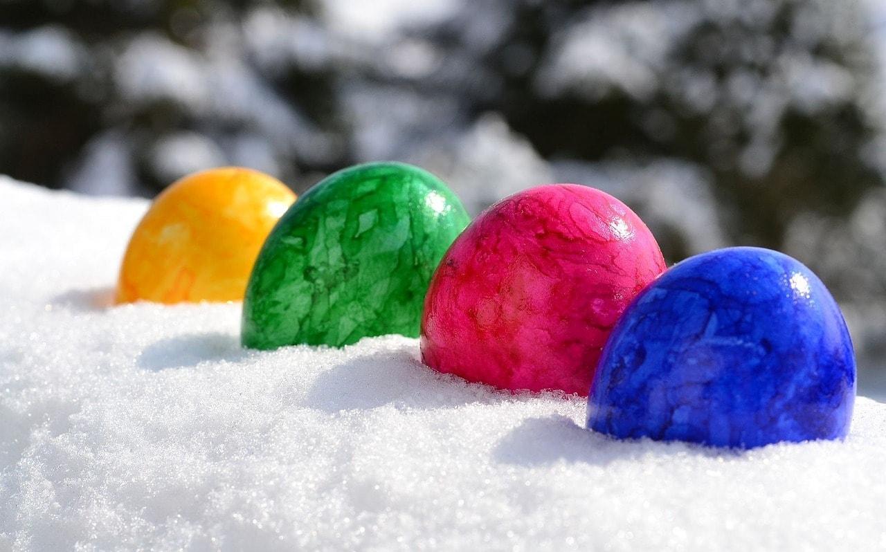 Ostereier im Schnee