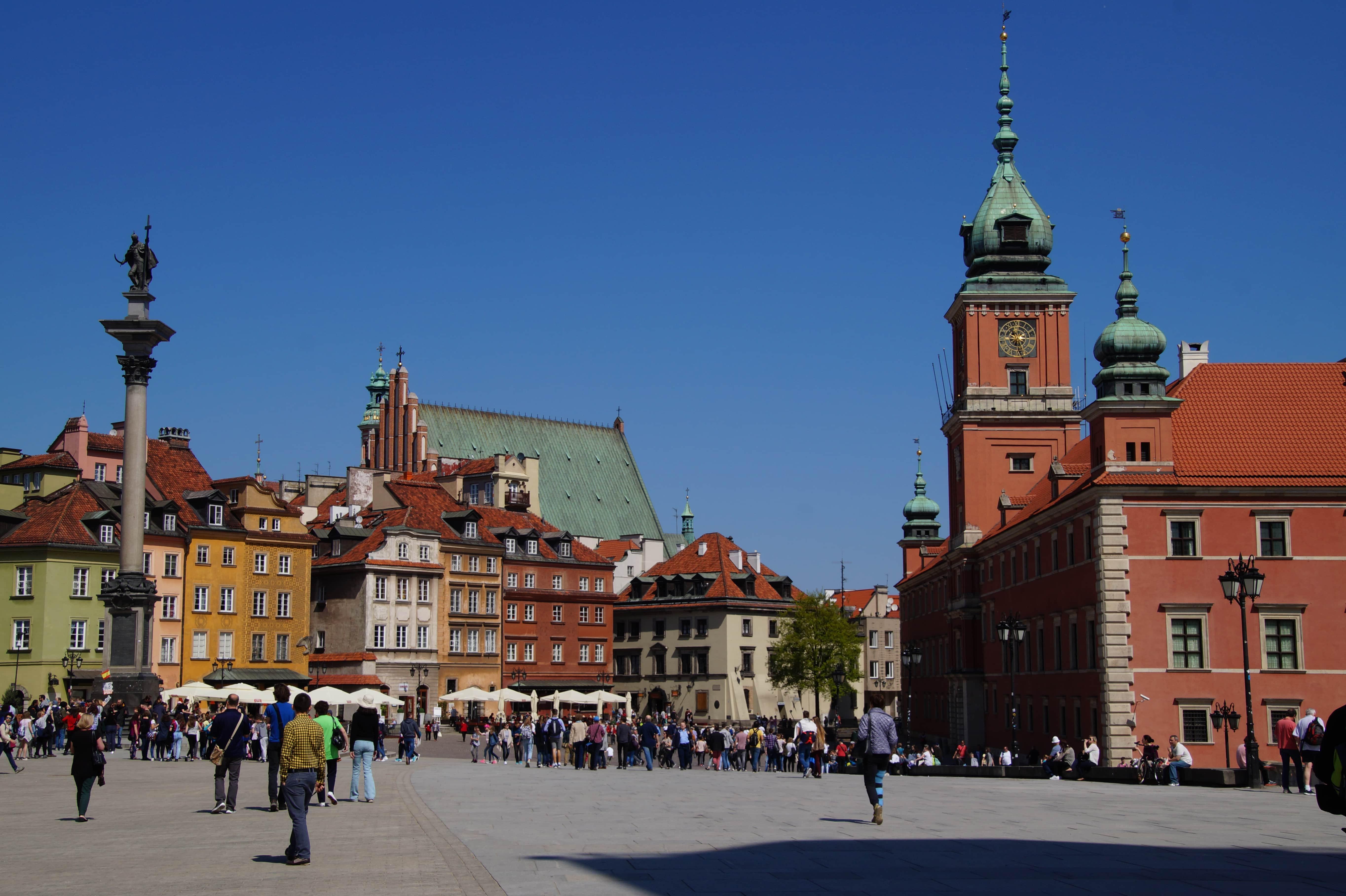 Ein Marktplatz in Warschau in Polen