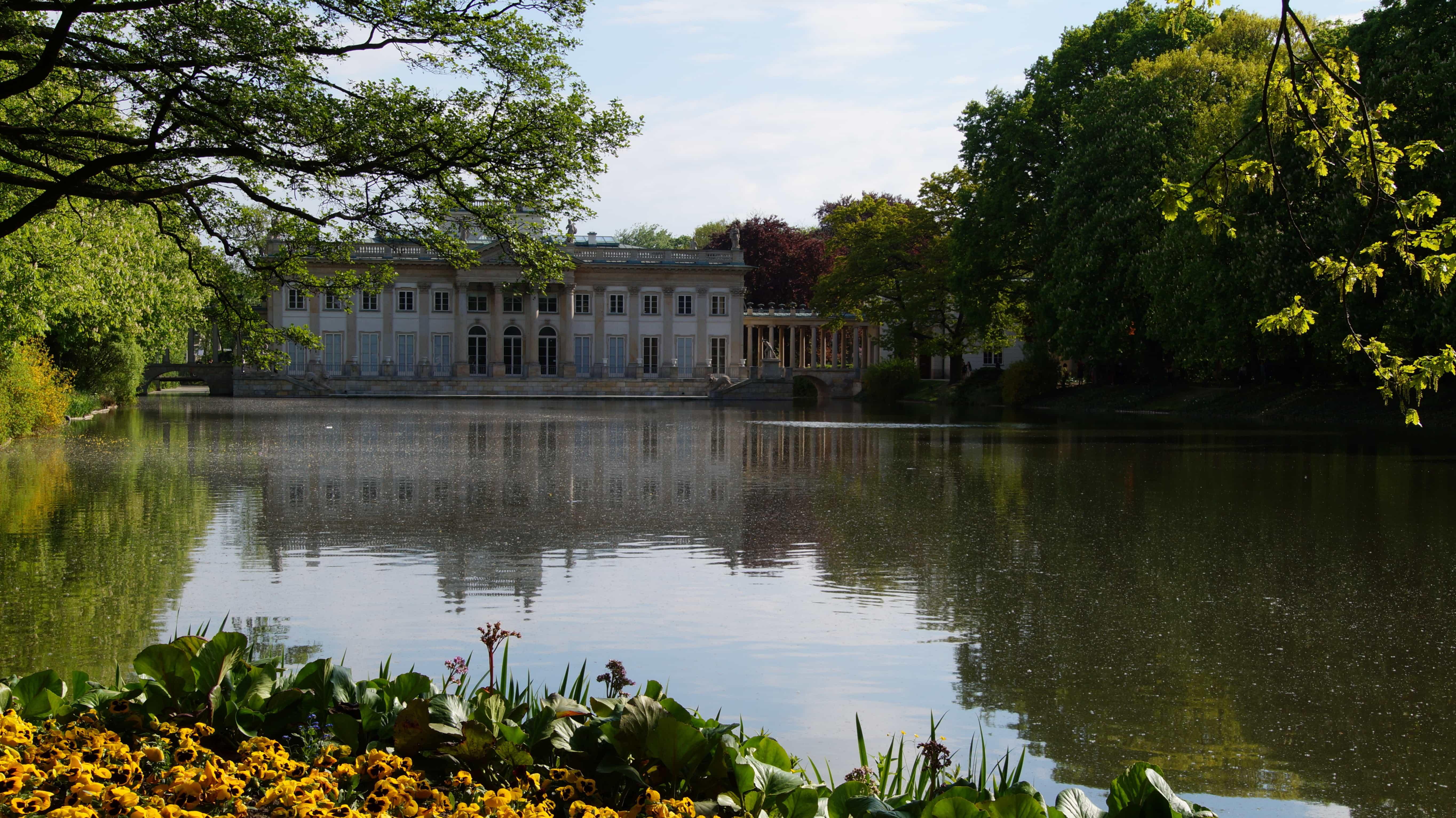 Ein See in Warschau in Polen
