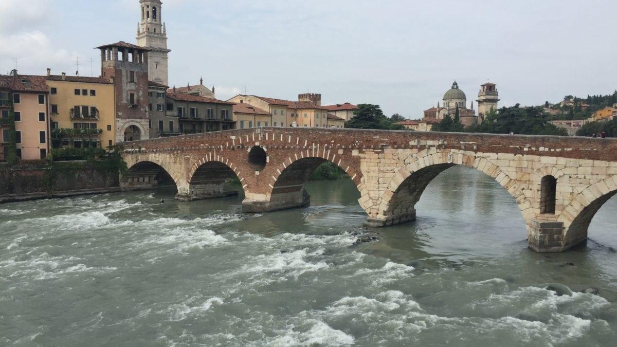 Die Ponte Pietra in Verona