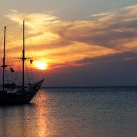 Segelboot vor Sonnenuntergang auf Rhodos