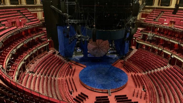Im Auditorium der Royal Albert Hall in London haben rund 9.500 Besucher auf Sitz- und Stehplätzen Platz.