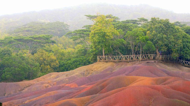 Die siebenfarbige Erde in Chamarel auf Mauritius