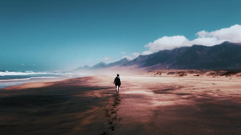 Für den dritten Teil der Kurzgeschichte Eine neue Chance entführt Julia dich wieder in die Welt von Milla und ihre Fantasie über die Wüste.