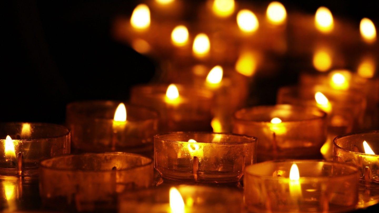 Im letzten Teil der Kurzgeschichte Eine neue Chance spielen Kerzen eine besondere Rolle.