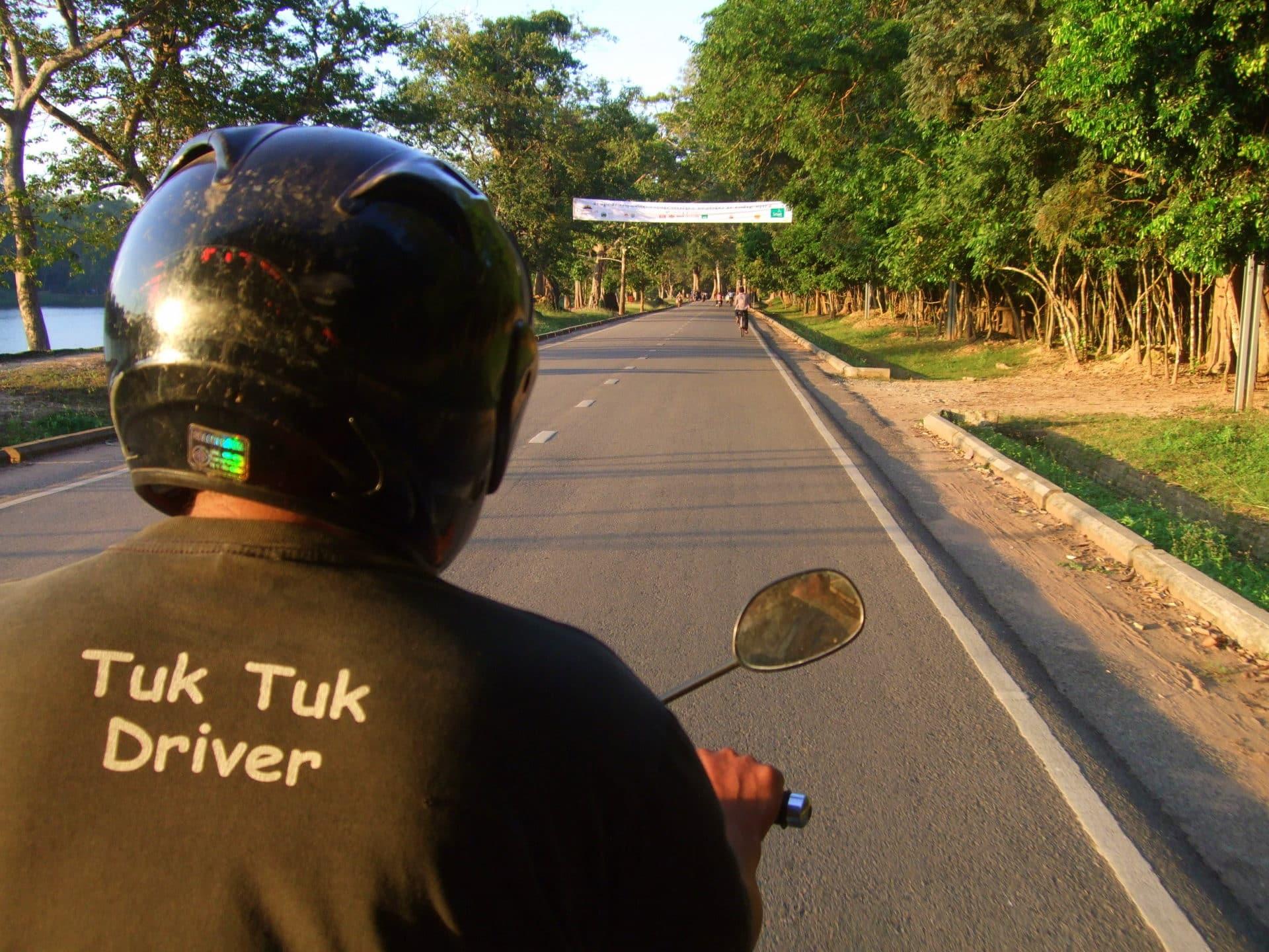 Tuk Tuk-Fahrer in Angkor Wat
