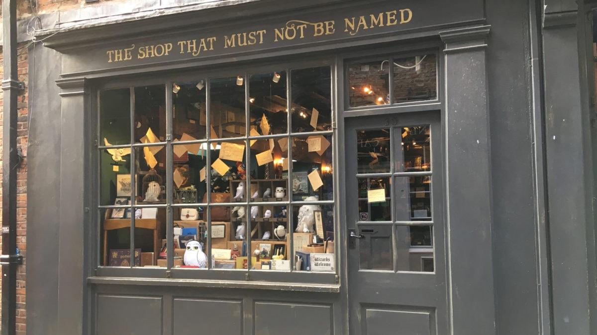 Ladenfront eines Geschäfts in den Shambles von York