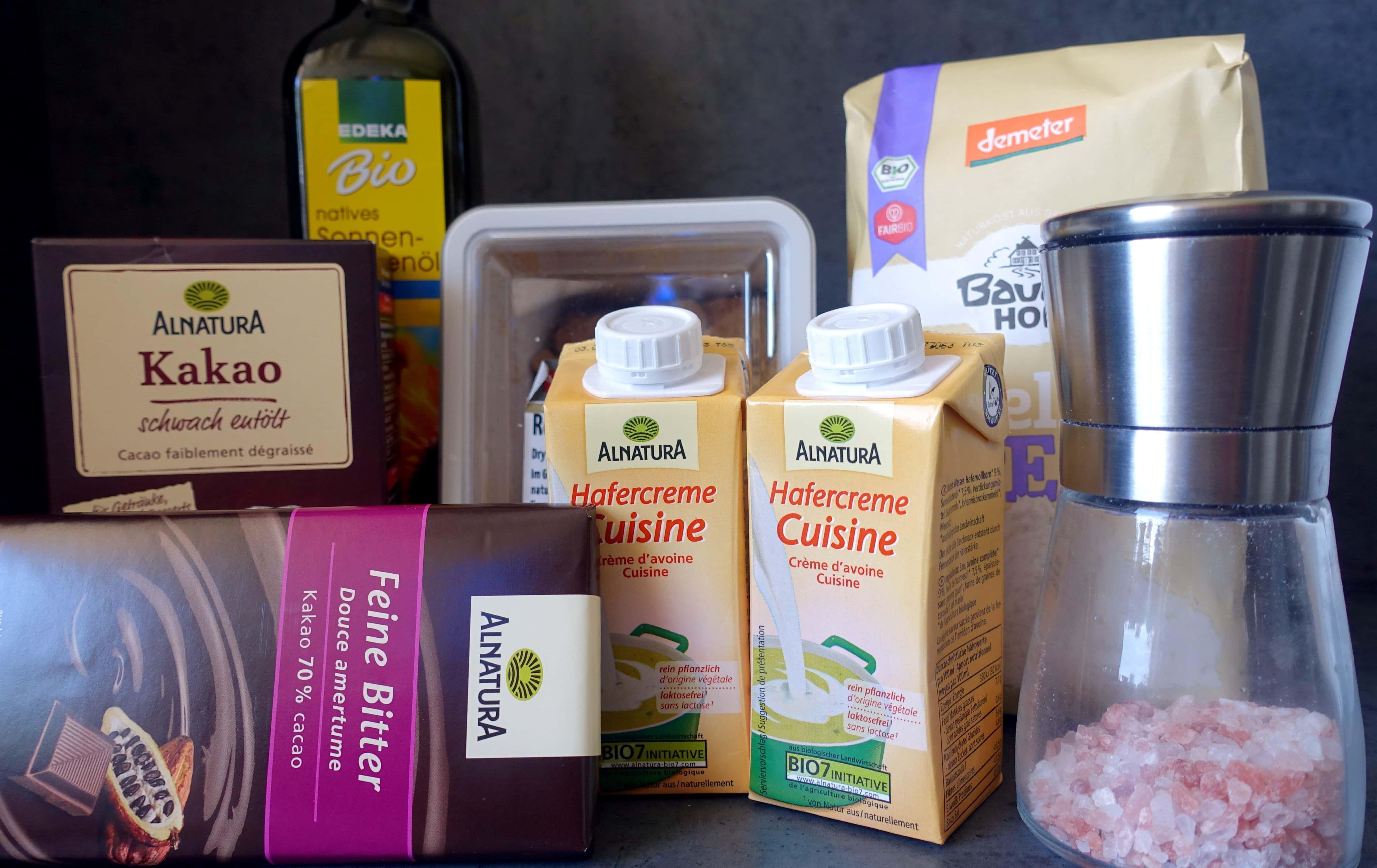 Zutaten für den veganen schwedischen Schokokuchen Kladdkaka